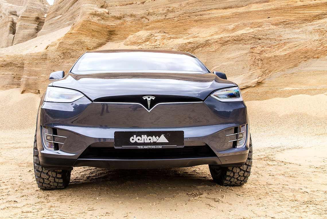 Tesla X Gall Wings Delta 4x4